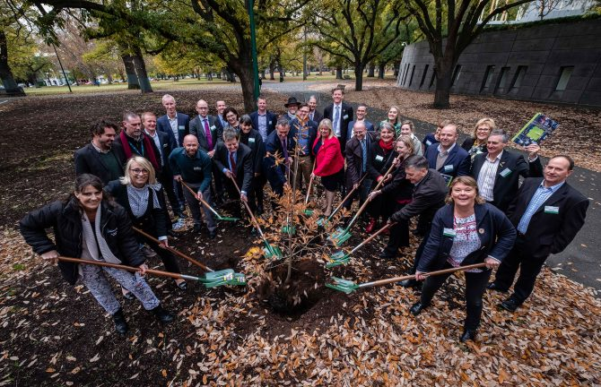 Living Melbourne: A Practitioner's Toolkit to Improve Urban Biodiversity